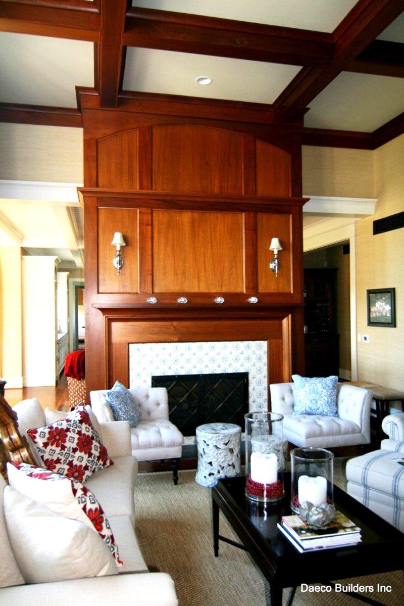 Tudor Estate Main-Living